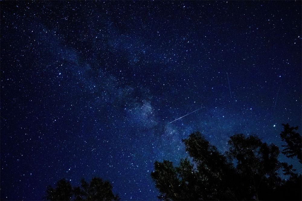 おうし座北流星群が見ごろは11月中旬以降のイメージ画像